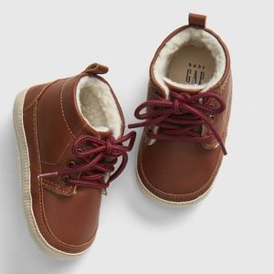 Baby Gap Sherpa Lined Leather Booties Sz 3-6mo